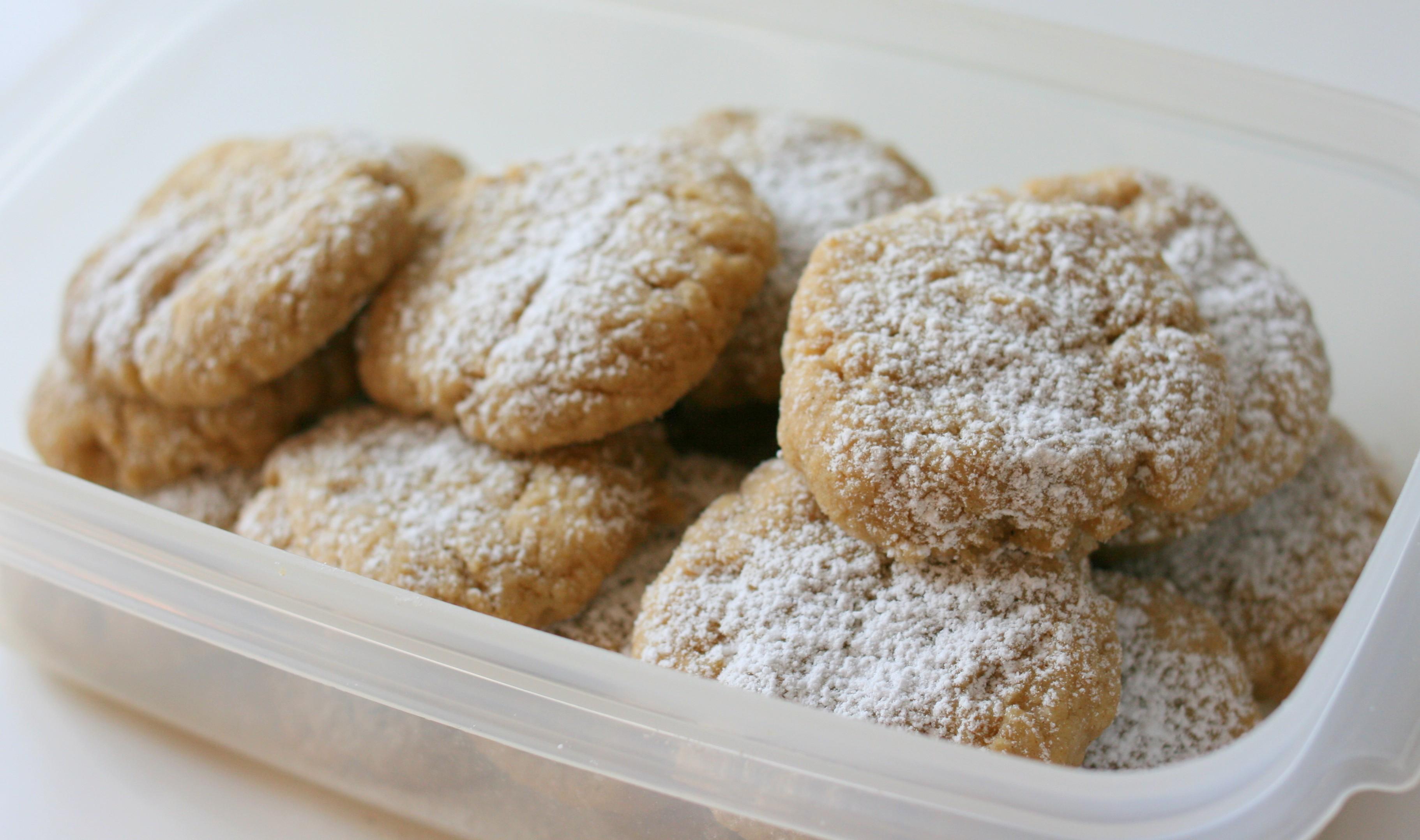 העוגיות לאחר אפייה ובשילוב עם רסק תפוחים לעוגיות רכות יותר.